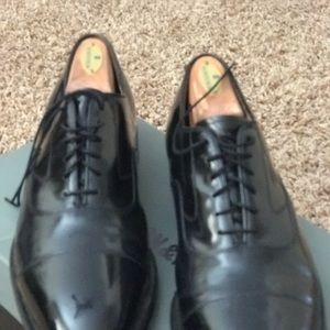 Johnston & Murphy Mens dress shoes size 11 used